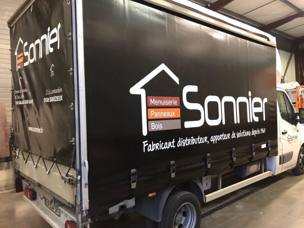 Camion | Sonnier, Menuiserie, Panneaux, Bois | Isère (38), Drôme (26), Ardèche (07)