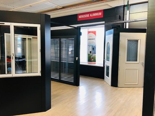 Verrière showroom exposition des fenêtres | Sonnier, Menuiserie, Panneaux, Bois | Isère (38), Drôme (26), Ardèche (07)