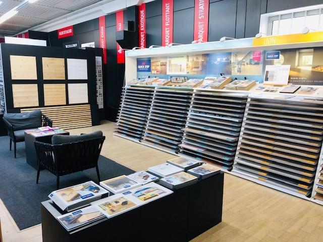 Verrière showroom exposition des parquets | Sonnier, Menuiserie, Panneaux, Bois | Isère (38), Drôme (26), Ardèche (07)