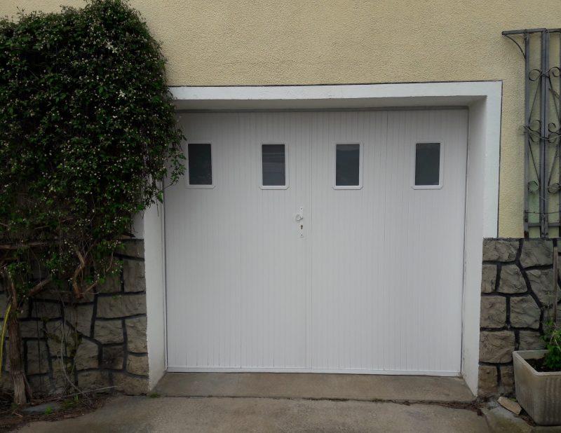 Porte de garage persienne blanche | Sonnier, Menuiserie, Panneaux, Bois | Isère (38), Drôme (26), Ardèche (07)