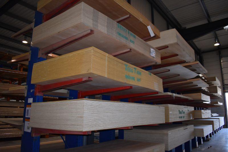 Stock panneaux bois salaise | Sonnier, Menuiserie, Panneaux, Bois | Isère (38), Drôme (26), Ardèche (07)