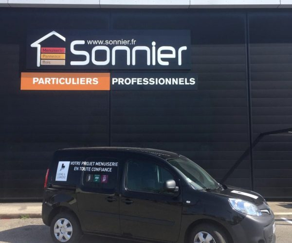Kangoo L&L | Sonnier, Menuiserie, Panneaux, Bois | Isère (38), Drôme (26), Ardèche (07)